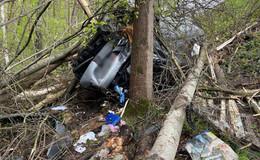 Auto fliegt über Leitplanke: Unfall auf der A7 bei Großenmoor