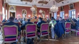Stadtverordnetenversammlung: Sozialwohnungen, Eislaufbahn und Digitalpakt