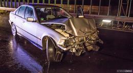 Alleinunfall auf der B27 - Frau aus BMW befreit