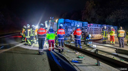 Schwerer Unfall auf der A 7: Umgestürzter Lastwagen sorgt für Staus am Morgen