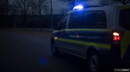 Chaotische Fahrt in der Nacht: 25-jähriger Fahrer streift parkende Autos