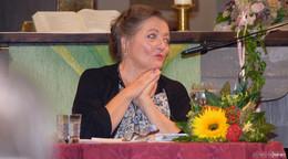 Marianne Sägebrecht ermutigt, das Sterben wieder ins Leben zu holen