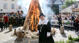Attacke, das Fierche brennt: Lullusfest nimmt bei Bilderbuchwetter Fahrt auf