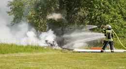 Flugzeugabsturz nahe Kleingartenanlage! 66-jähriger Pilot aus Petersberg tot