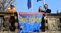 Flagge zeigen gegen Gewalt an Frauen: Das Hessentagspaar ist dabei