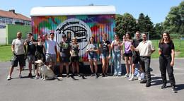 Mobiler Jugendraum und Graffiti-Wand eingeweiht
