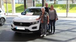 Gretel Nowak düst nach Wolfsburg – PS-Los-Sparerin in der Autostadt