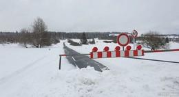 Hochrhönstraße erneut gesperrt: Starker Schneefall und Verwehungen