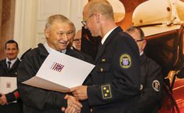 Feuerwehr ehrt echte Vorbilder: 850 Jahre ehrenamtliches Engagement