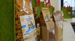 Das perfekte Weihnachtsgeschenk: Taschen gefüllt mit regionalen Produkten