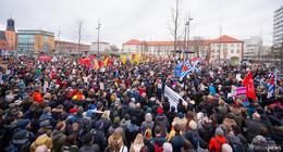 6.000 Menschen bei Demonstration - Stadt plant zentrale Trauerfeier