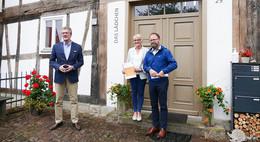 Zukunft im ländlichen Raum: Alte Schmiede in Uttrichshausen ausgezeichnet