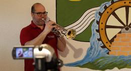 Übung vor dem Bildschirm: Die Döngesmühler musizieren in Krise weiter