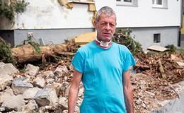 Nach dem Lkw-Crash: geschockte Nachbarn und ein Trümmerfeld