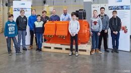 Die spannende Welt der Motoren - Schüler schnuppern bei EMOD