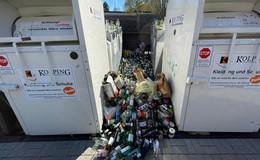 Puls! - Bürgermeister Timo Zentgraf ist sauer: Übervolle Altglas-Container