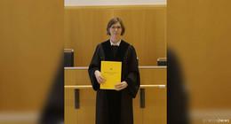 Richterin Heil auf Lebenszeit ernannt: Aushändigung der Urkunde