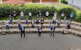 So wichtig wie nie: Ausbildungs-Navis an Gesamtschule Niederaula übergeben
