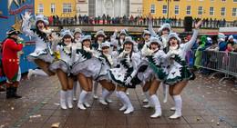 55.000 Karnevalisten: Erinnerungen an Hessens größten närrischen Lindwurm
