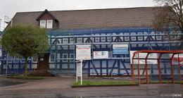 Sanierung dauert länger als gedacht: Rathaus von Käfern und Pilzen befallen