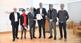 Digitalstaatssekretär Burghardt überreicht Förderbescheid über 171.000 Euro