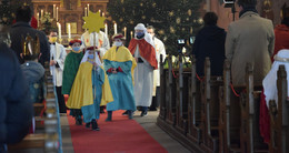 Bischof Michael Gerber feiert ersten regionalen Sternsingergottesdienst
