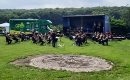 Endlich wieder auf Tour: show and brass band spielte befreit auf