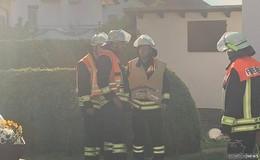 Fritteuse fängt Feuer: Eine Person leicht verletzt - 5.000 Euro Schaden