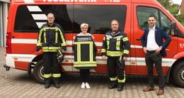 246 Feuerwehreinsatzkräfte erhalten Hightech-Feuerschutzkleidung