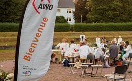 Lauschiges Dinner-in-Weiß der AWO auf der Parkbühne in der Fulda-Aue