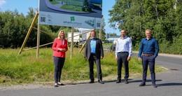 MdL Ines Claus (CDU) zeigt sich begeistert: Smartpoles und digitaler Campus