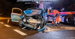 Vorfahrt missachtet: BMW X5 zerlegt Opel-Kleinwagen in der Frankfurter Straße