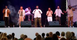 Naturally 7 begeistern Publikum ohne ein einziges Instrument