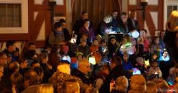 Marktplatz taucht in bunte Lichter: der 466. Kalte Markt ist eröffnet