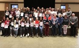 101 Schulsanitäterinnen an Marienschule: 39 Neuzugänge geehrt