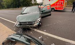 Crash auf der B 27 bei Löschenrod: Autofahrerin kracht in Leitplanke