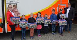 DRK Fulda übergibt Monopoly-Spiele an Gewinner
