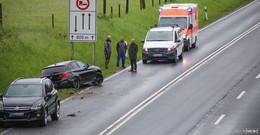 Auto im Graben: Unfall auf B27 zwischen Bernhards und Marbach