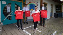 Ich bin ein Schulkind: Sparkasse sponsert T-Shirts