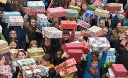 Besondere menschliche Geste: Weihnachtspäckchen für Kinder in Osteuropa