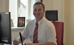 Bürgermeister Lothar Bott hört auf: Wer übernimmt nun den Rathaussessel?