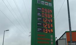 Diesel tanken für unter 1 Euro pro Liter  - Spritpreise auf nahezu historischem Tief