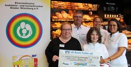Projekt Toilettenkasse bei Bäcker Happ: Spende an Elterninitiative