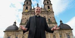 Happy Birthday, Eure Exzellenz! 50. Geburtstag von Bischof Dr. Michael Gerber