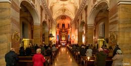 Zum Kirchweihfest: Stimmungsvolle Late-Night-Messe in der Stadtpfarrkirche