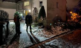 Essen brennt auf Herd an: Feuerwehr mit 37 Einsatzkräften vor Ort