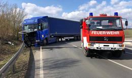 Schwerer Unfall bei Brauerschwend: Lkw rammt Pkw