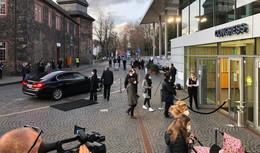 Sagt ihre Namen: Gedenkfeier mit Bundespräsident Steinmeier und Rudi Völler