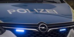 Opel Corsa überschlägt sich auf A66: Fahrer (20) leicht verletzt