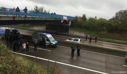 Nächste Protestaktion: A49-Gegner erneut auf Autobahnbrücke der A5